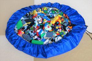レゴを大量にしまえるレジャーシート型収納袋
